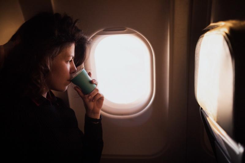 12 вещей, которые не следует делать в самолете