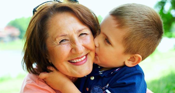 Ученые доказали, что самым главным человеком в жизни ребенка является бабушка со стороны матери