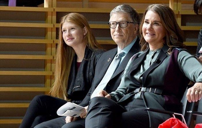 Дженнифер живет как обычный человек! Чем занимается дочь Билл Гейтса