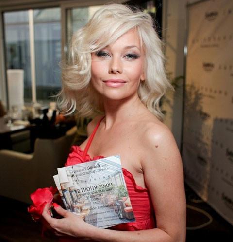 Внешний вид актрисы Елены Кориковой напугал ее поклонников