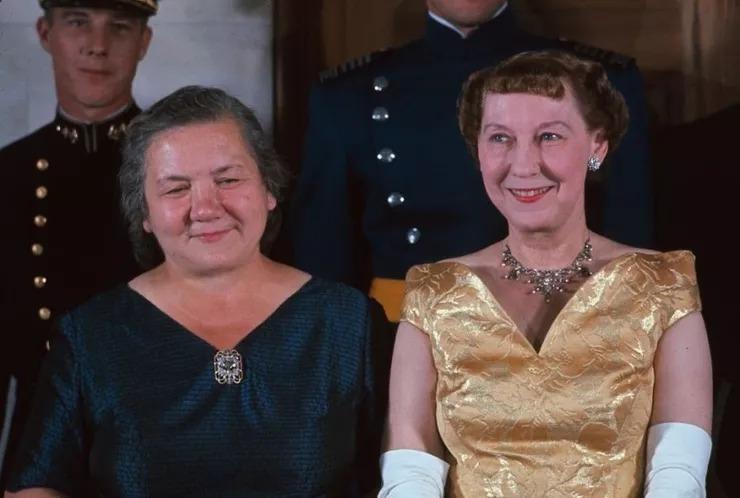 Как выглядели первые леди Советского Союза