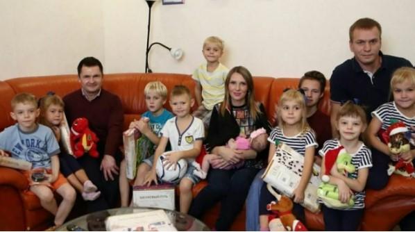 Отец-одиночка, который сам воспитал шестерых детей