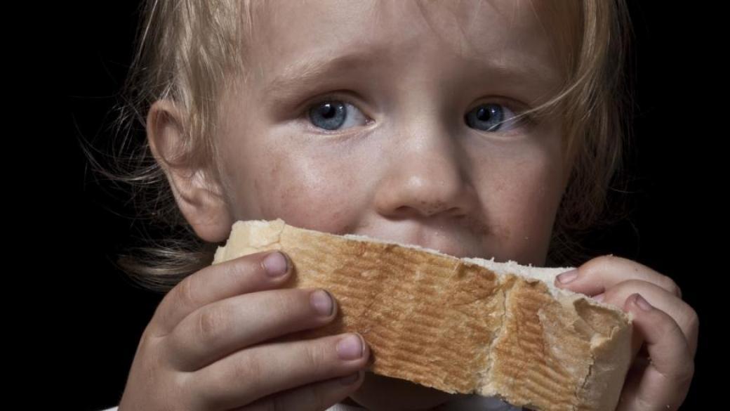 Мы увидели грязного и голодного ребёнка, который хотел украсть у нас еду