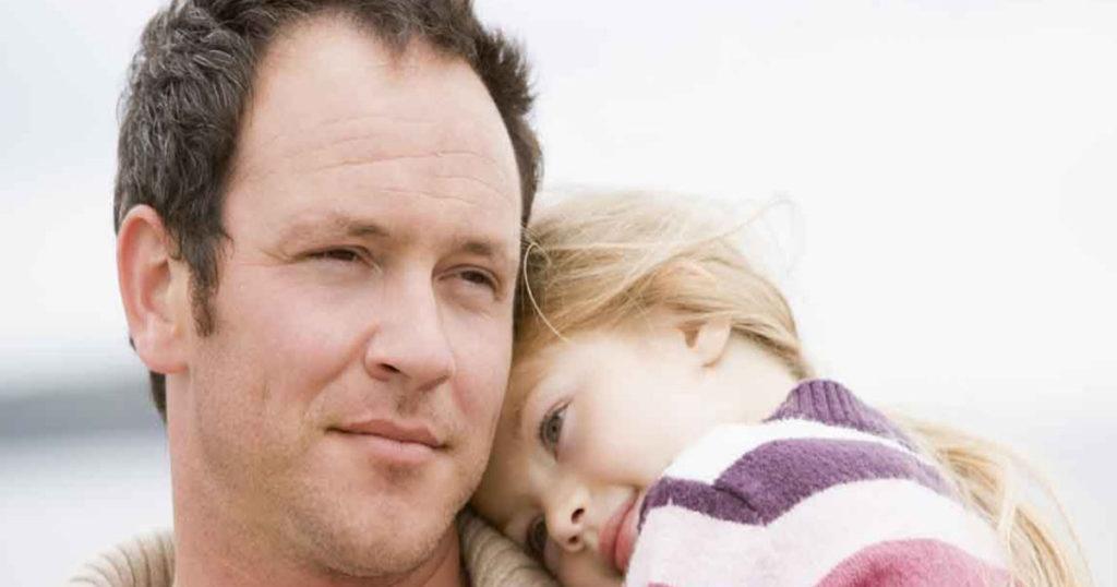 Я женился в двадцать два года, приобрел одним махом и супругу, и дочурку