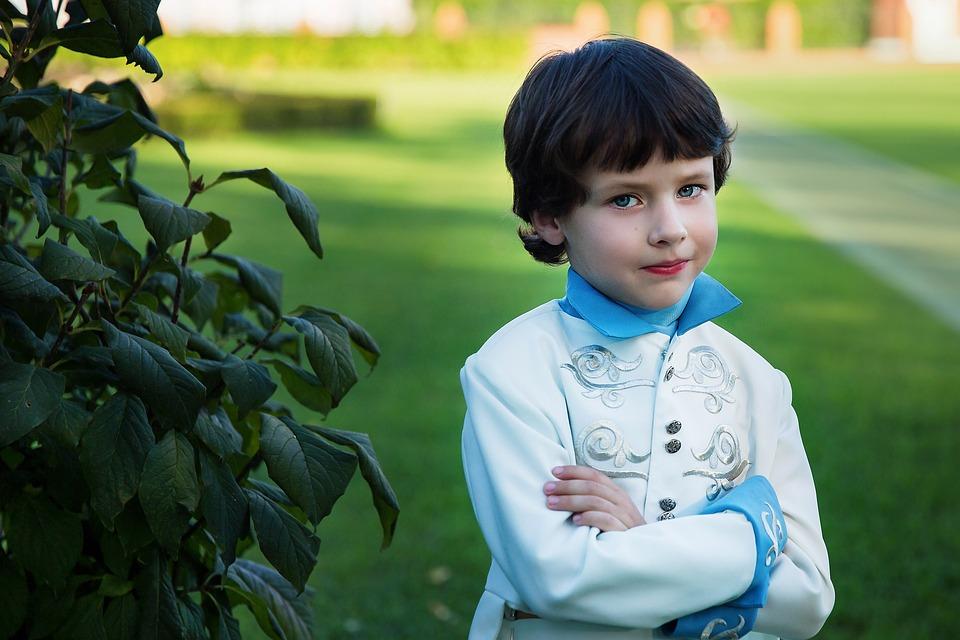 Сын в наглую сказал, что 10 тысяч рублей на ребёнка, это ему, а не родителям