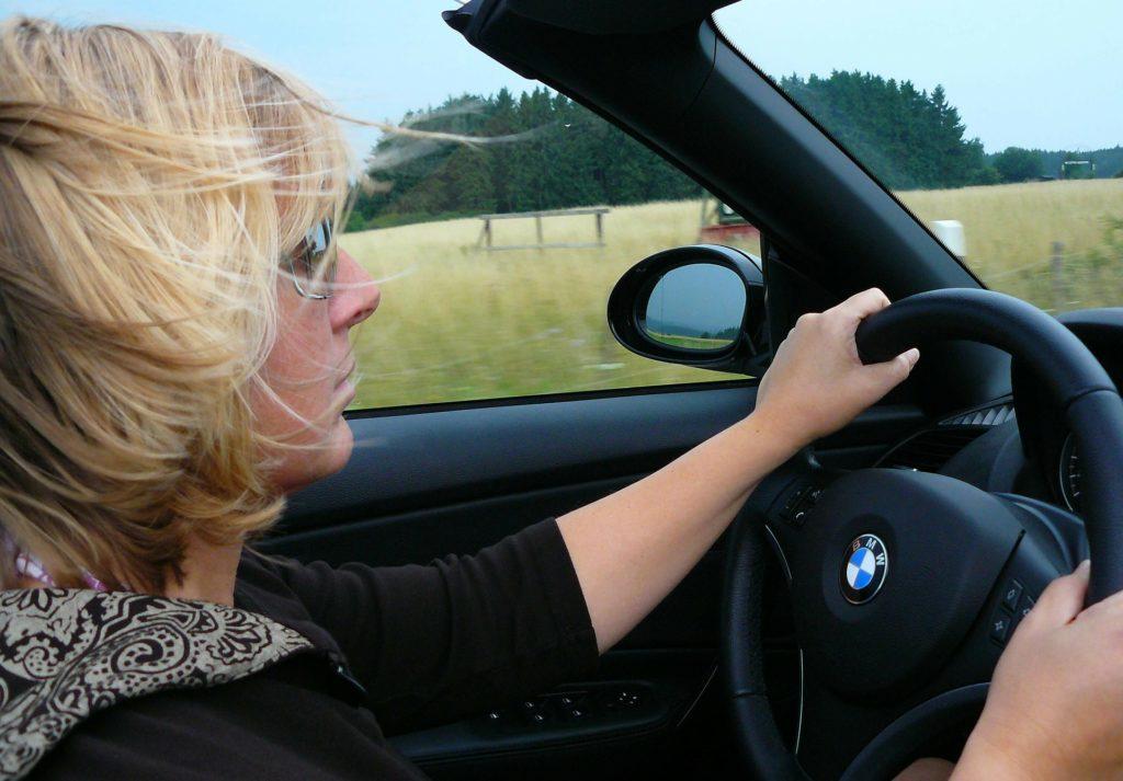 5 причин, почему лично я не женился бы на сорокалетней женщине без машины и квартиры