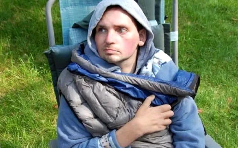Никому не нужен инвалид! Супруга Алексея Янина вместе с сыном переехала, а он остался с мамой