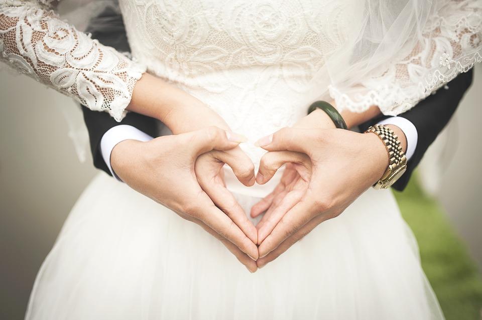 Спустя 15 лет брака супруг бросил меня и ушел к бывшей, хотя уверял, что я идеальная